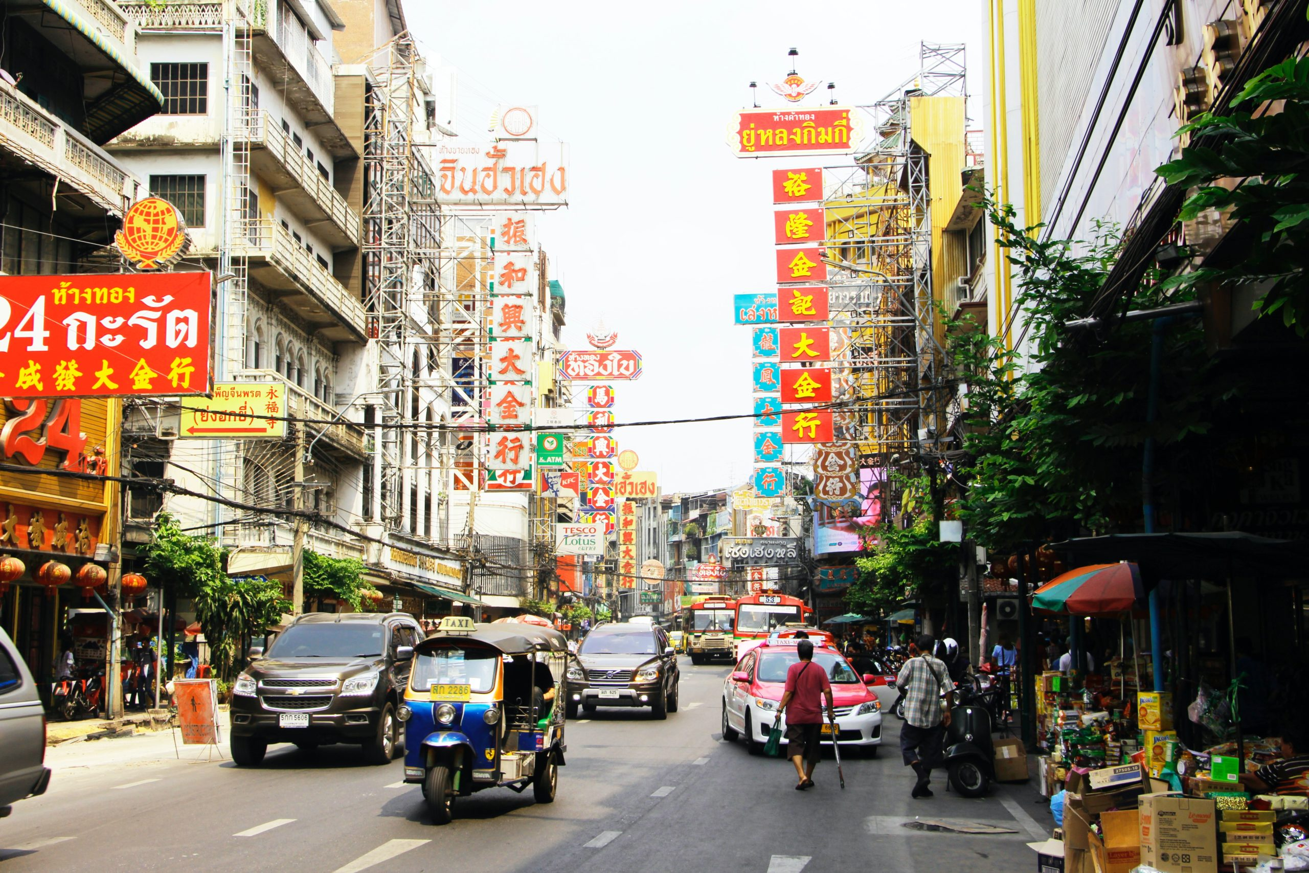 huge-colorful-market-india